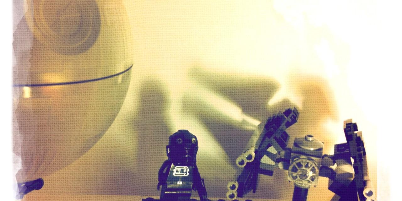 TIE Interceptor e Death Star da mensola