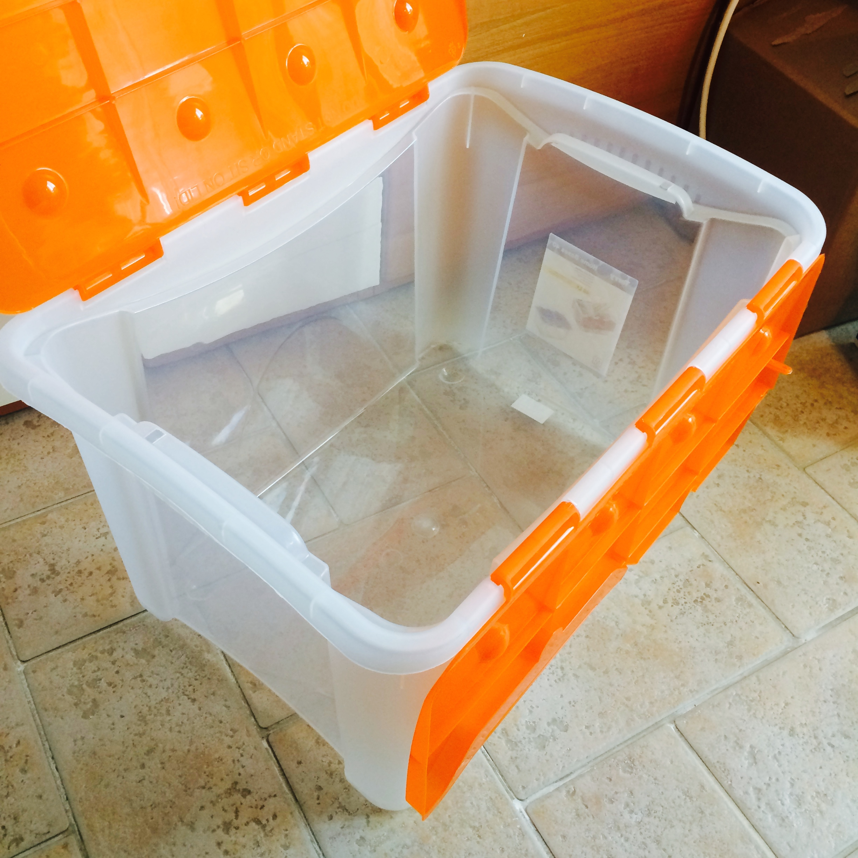 Rivestire scatole di plastica trattamento marmo cucina for Ikea scatole plastica