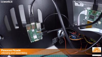 Colleghiamo l'USB per i controllers arcade (scheda Picade)